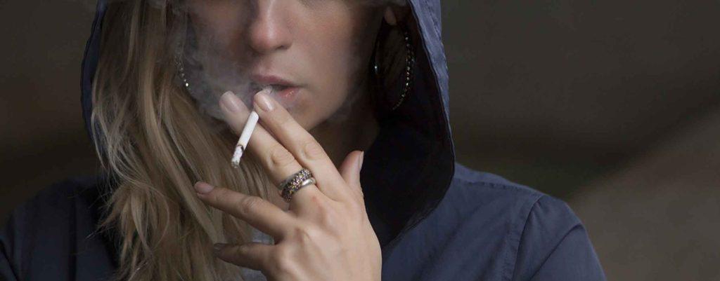 タバコが印象的なキャラを6人ピックアップ!喫煙者の相方は「喫煙所情報共有マップ」